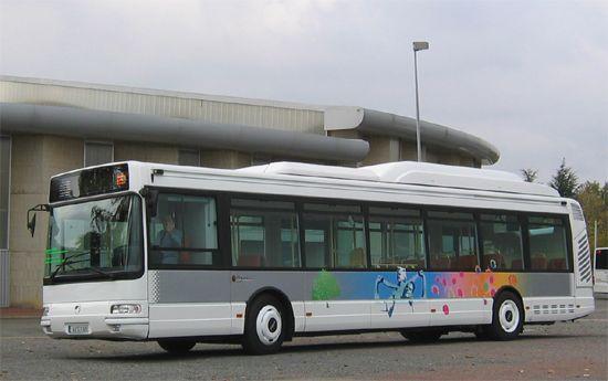 Irisbus Agora S Gaz Naturel à moteur Cursor et climatisation ; véhicule de