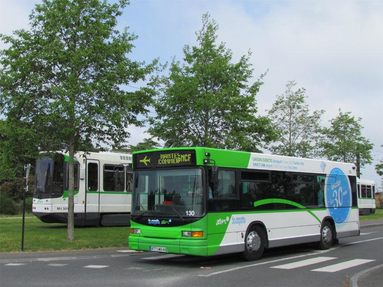 trans 39 bus phototh que autobus heuliez gx117 tan nantes. Black Bedroom Furniture Sets. Home Design Ideas