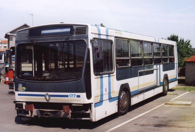 trans 39 bus phototh que autobus renault pr 100 r rapides du poitou. Black Bedroom Furniture Sets. Home Design Ideas