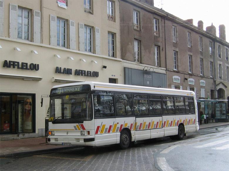 trans 39 bus phototh que autobus renault r 312 sty la roche sur yon. Black Bedroom Furniture Sets. Home Design Ideas